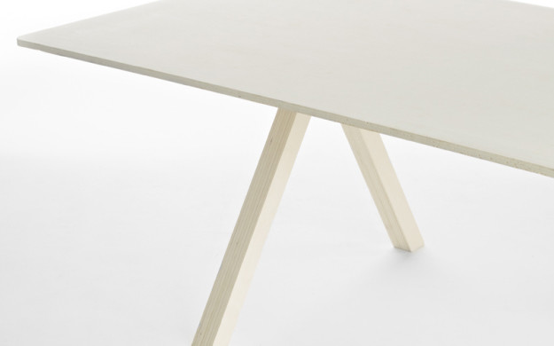 Table | © Artistide Van Roy